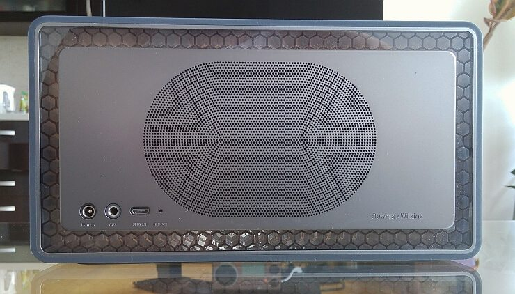 Bowers & Wilkins T7 6