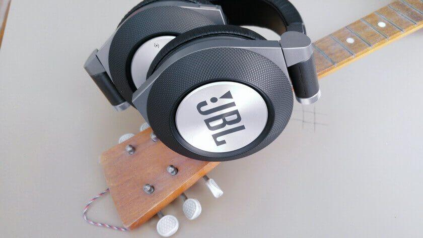 JBL Synchros E50BT slušalice - recenzija -3